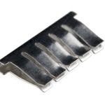 Das ist die Schiene, die sich im Breadbord befindet und 5 Pins miteinander verbindet (Zum Vergrößern Bild anklicken)